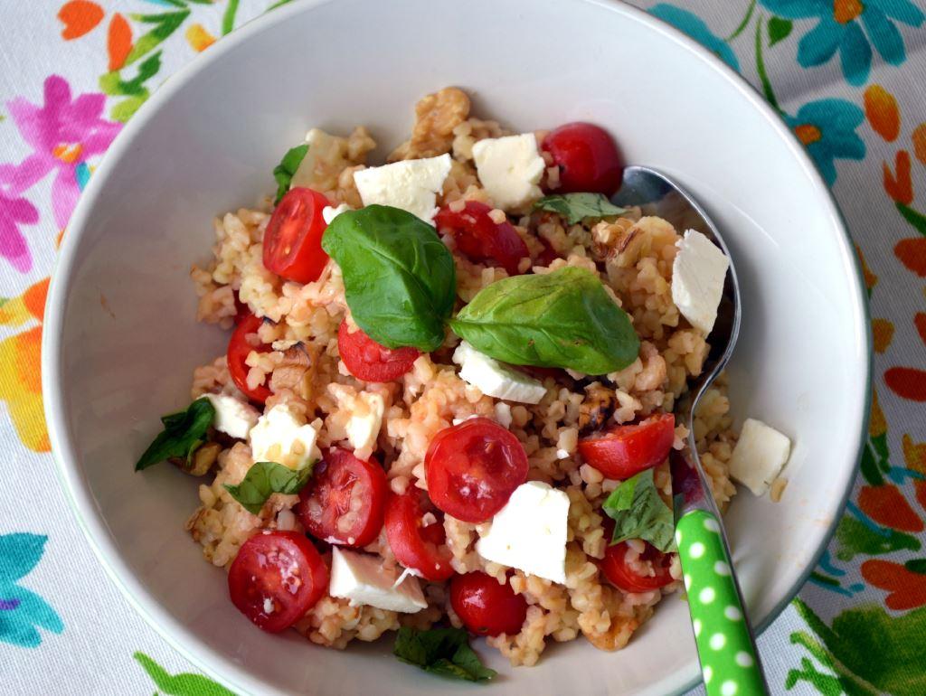 Kasza bulgur z pomidorkami i fetą