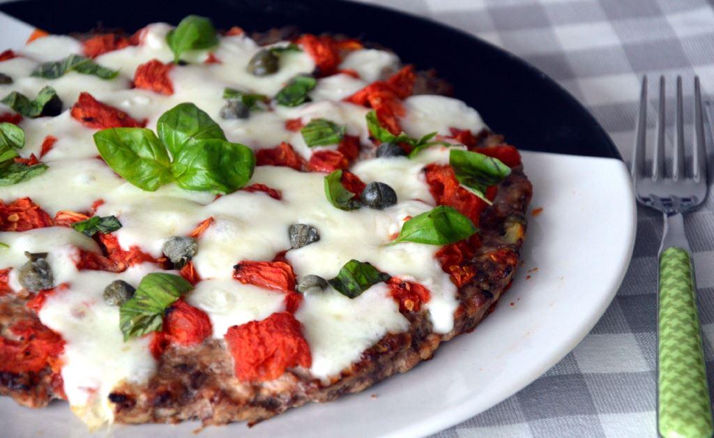 Pizza z mięsa mielonego