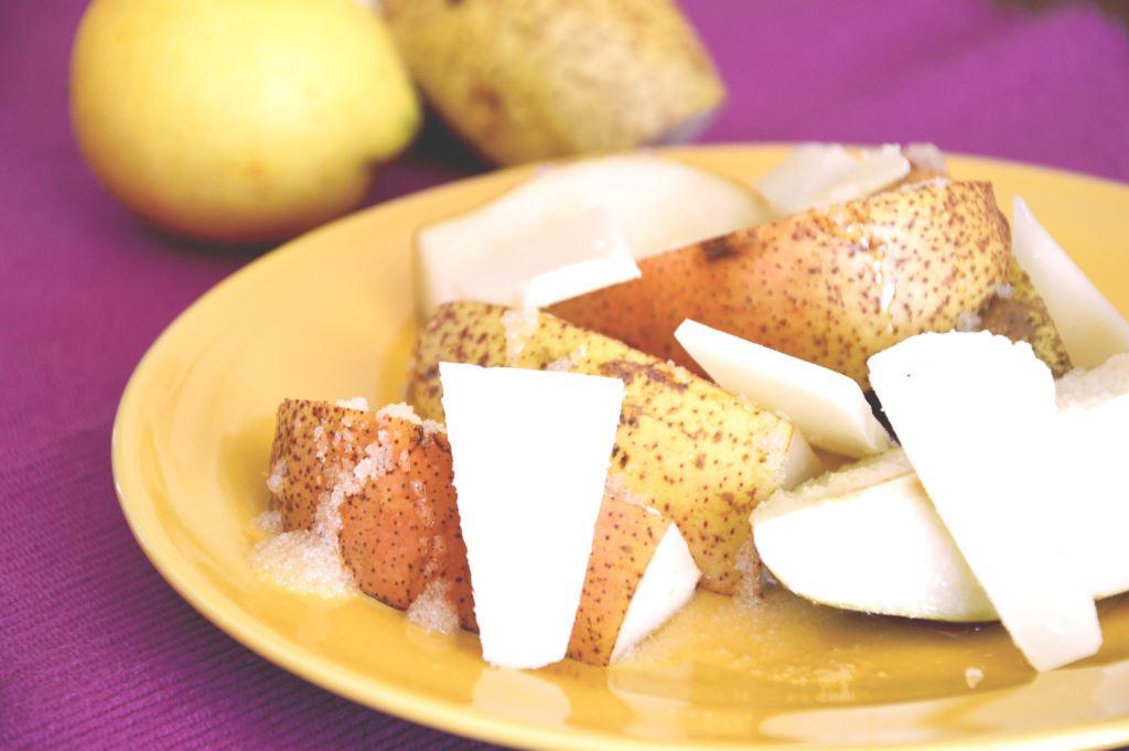 Gruszki z serem pecorino i miodem
