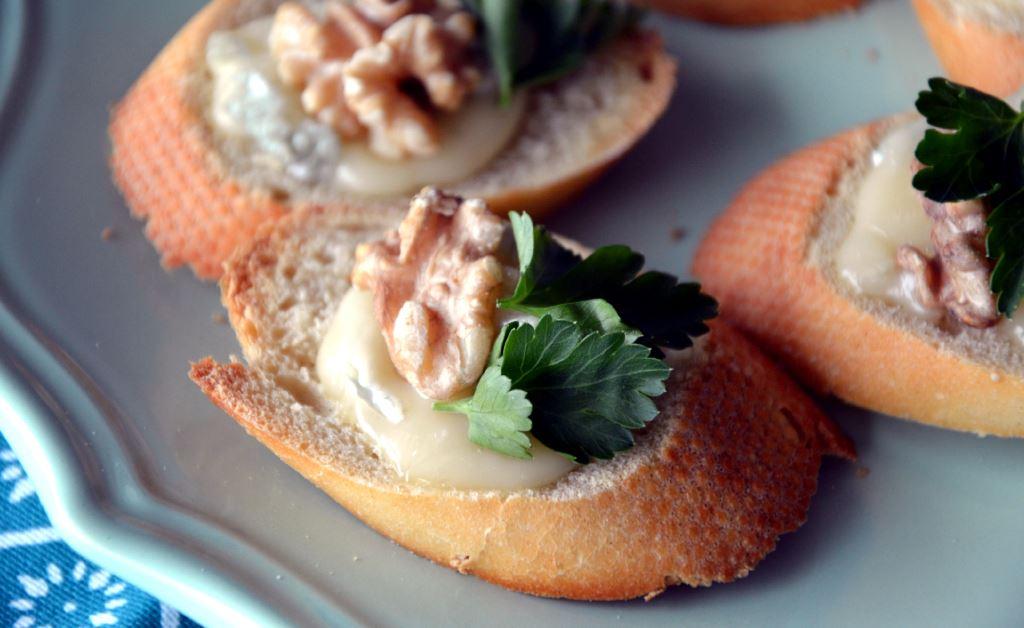 Crostini z gorgonzolą